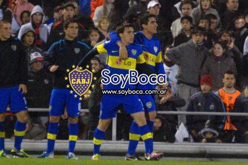 Mouche le ganó la pulseada a Chavez y juega vs Independiente
